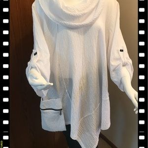 EUC White Moonlight tunic XXL